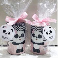 Festa Panda – Mais de 50 ideias Panda Themed Party, Panda Birthday Party, Panda Party, Baby Birthday, 1st Birthday Parties, Birthday Party Decorations, Birthday Party Invitations, Party Themes, Panda Baby Showers