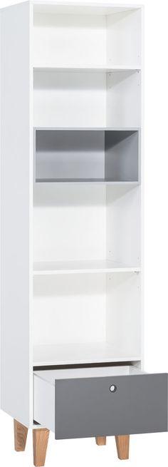 Cechy i korzyści: Dwie górne półki w regale posiadają możliwość regulacji wysokości. Wykonano je z płyty o grubości 16mm co znacząco wpływa na ich wytrzymałość. W dolnej część regału znajduje się ...