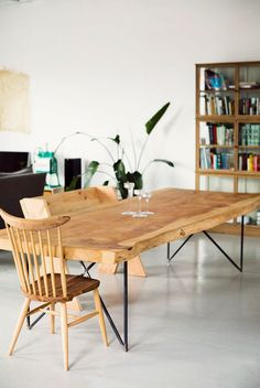 Natural wood Slab Dining Rooms is part of Wooden dining tables - Welcome to Office Furniture, in this moment I'm going to teach you about Natural wood Slab Dining Rooms Dining Furniture, Home Furniture, Furniture Design, Furniture Ideas, Wooden Furniture, Furniture Makeover, Wooden Dining Tables, Dining Room Table, Wood Table