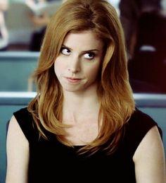 mooi rood is niet lelijk ♥ Red hair - Sarah Rafferty Suits Tv Series, Suits Tv Shows, Sarah Rafferty, Auburn, Blond, Sarah Smiles, Donna Paulsen, Sarah Gray, Classy Girl