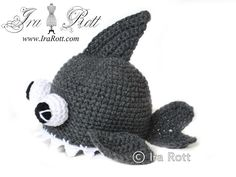 fre crochet animal beenies | Fish Hats Free Patterns | Animal hat, well okay a fish hat, no wait a ...