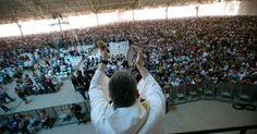O Santuário Mãe de Deus, do padre Marcelo Rossi, fica em São Paulo, SP, Brasil, e tem capacidade para reunir até 100 mil pessoas.  Fotografia: Fabio Braga/Folhapress.