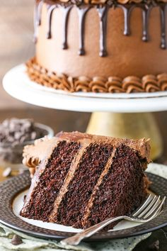 This Moist Chocolate Cake recipe is seriously the best chocolate cake you'll ever make. It's EASY to make & so moist and rich in chocolate flavor! Worlds Best Chocolate Cake Recipe, Easy Moist Chocolate Cake, Chocolate Oreo Cake, Amazing Chocolate Cake Recipe, Chocolate Desserts, Homemade Chocolate, Chocolate Cake From Scratch, Cake Recipes From Scratch, Easy Cake Recipes