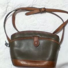 Charles Jourdan Handbags - Vintage Charles Jourdan Locking Crossbody w/ Key
