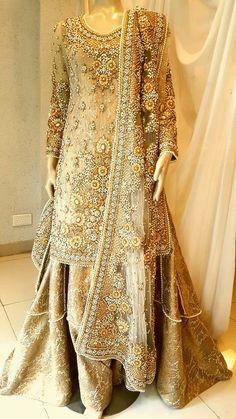 Tips To Help You Look Amazing – Designer Fashion Tips Pakistani Wedding Outfits, Pakistani Wedding Dresses, Bridal Outfits, Indian Dresses, Indian Outfits, Bridal Shoes, Walima Dress, Red Lehenga, Evening Dresses