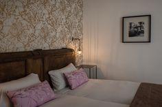 Chambre d'hote charme à St Malo - Villa Saint Raphaël St Malo, St Raphael, Villa, Bed, Furniture, Home Decor, Full Size Beds, Bedrooms, Contemporary