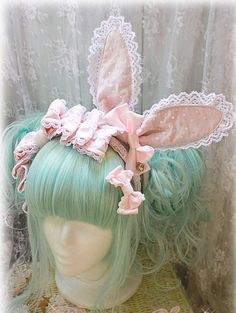 Mint Green wig with pink accents: *O* WANT