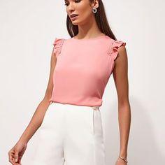 Muitas novidades chegando!!! Esse look esta um ducesso #trendy #lookdodia #trend #namoda #shopping #blusas #aimores #modafeminina #modaexecutiva #inlove