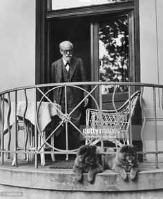 freud and his dogs