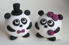 Panda Bear Cake Toppers my future wedding cake toppers! Panda Bear Cake, Bear Cakes, Chocolate Dome, Panda Birthday Party, Animal Snacks, Clay Ornaments, Sweet Cakes, Cold Porcelain, Gum Paste