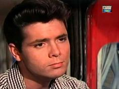 1963 Cliff Richard - Summer holiday - YouTube
