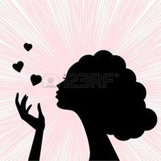 femme qui souffle: belle silhouette visage de femme avec coeur baiser