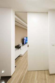 Garage Doors, Outdoor Decor, Home Decor, Houses, Decoration Home, Room Decor, Home Interior Design, Carriage Doors, Home Decoration