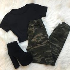 Shop Sexy Trending Dresses – Chic Me offers the best women's fashion Dresses deals Cute Casual Outfits, Edgy Outfits, Retro Outfits, Korean Outfits, Grunge Outfits, Teen Fashion Outfits, Outfits For Teens, Girl Outfits, Mode Rock