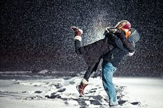 Great tutorial on night time snowing portraits- i really wanna try!