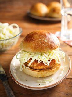 Ricardo's Recipe : Chicken Burgers with Coleslaw Grilled Tandoori Chicken, Burger Bread, Ricardo Recipe, Around The World Food, Food Network Canada, Yum Yum Chicken, Burger Recipes, Coleslaw, Chicken Recipes