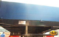 Nuestros cuerpos de plataforma plana permiten a los usuarios transportar de forma segura y eficiente, materiales a granel y equipos de gran tamaño hacia y desde el lugar de trabajo.  http://www.carroceriasyfurgonesnmj.com/planchones-plataformas-cama-baja-cama-plana-nuevos-y-usados-bogota-colombia