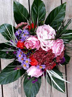 Floral Wreath, Wreaths, Home Decor, Flower Crowns, Door Wreaths, Deco Mesh Wreaths, Interior Design, Home Interior Design, Home Decoration