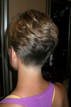 Beautiful Super Short Hair Cut +Highligths Perfec For Summer! Short Sassy Haircuts, Haircuts For Fine Hair, Haircut For Thick Hair, Cute Hairstyles For Short Hair, Curly Hair Styles, Short Haircut, Super Short Hair, Short Grey Hair, Short Hair With Layers