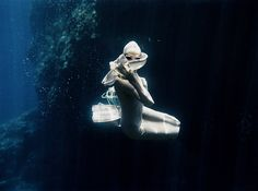 """Alien"" underwater fashion photography ©peter de mulder"