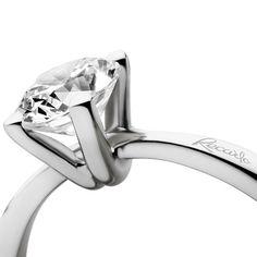 """Forever yours..."" #recarlo #solitaire #solitario #bridal #anniversario #matrimonio #wedding #coppia #amore #love #famiglia #family #handmade #madeinitaly"