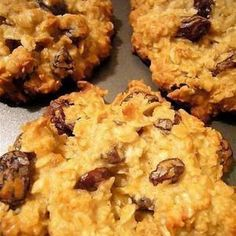 Healthy Breakfast cookies  3	mashed bananas (ripe) ⅓	cup apple sauce 2	cups oats ¼	cup almond milk ½	cup raisins (optional) 1	tsp vanilla 1 tsp cinnamon  Cook 350 15-20 mins