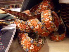 Bandveving, plukkeband/grindband - veving av plukkeband i grind med og uten spalter Inkle Weaving, Inkle Loom, Tablet Weaving, Iron Age, Weaving Techniques, Band, Ribbon, Belts, Weave