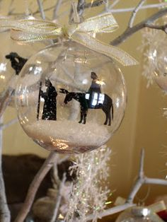 Cool homemade Christmas Tree Decorations. Can use any Silhouette you want; Western, horses, Santa, Cowboys, Boots....