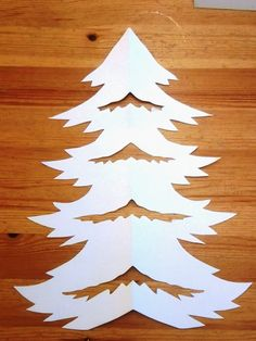 Windows: Winter Filigrana and window decorations Easy Christmas Crafts, Christmas Wood, Simple Christmas, Christmas Ornaments, Paper Flowers Craft, Flower Crafts, Paper Crafts, Christmas Tree Accessories, Diy And Crafts