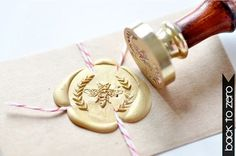 Bee Wreath Gold Plated Wax Seal Stamp x 1: