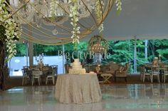 Real Wedding: J + M #bigcitybride weddingplanning Photographer: Bob & Dawn Davis Photography