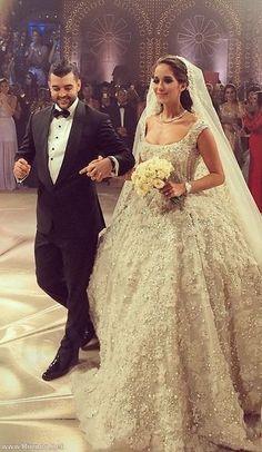 Lana El Sahely in a Legendary Wedding dress by Elie Saab | Fashion | Rinnoo.net