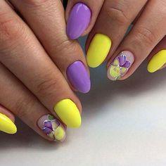 I put my nail polish like a pro! - My Nails Yellow Nails Design, Yellow Nail Art, Pastel Yellow, Purple Yellow, Purple Nails, Green Nails, Spring Nails, Summer Nails, Cute Nails