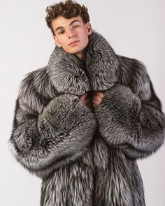 Fur Fashion, Mens Fashion, Grown Man, Fur Trim, Gentleman, My Style, Fur Jackets, How To Wear, Mens Fur Coats