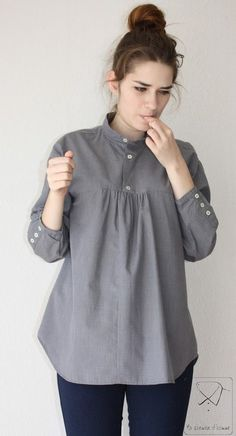 Recycled men's shirt ideas ~ I often find high-end men's shirts in odd sizes that were never worn at all, at thrift shops. another idea I like, is making dresses out of them for little girls.Recyled man's shirt gray tunic by machemisedhomme on EtsyBr Hijab Fashion, Diy Fashion, Ideias Fashion, Fashion Ideas, Diy Clothing, Sewing Clothes, Sewing Men, Sewing Shirts, Kurta Designs