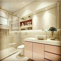 Quando o amor é a primeira vista banheiro rosa, quem não ama? Modern Bathroom Tile, Bathroom Interior, Tiled Bathrooms, Mirror Bathroom, Bathroom Small, Wall Mirror, Bad Inspiration, Bathroom Inspiration, Design Case
