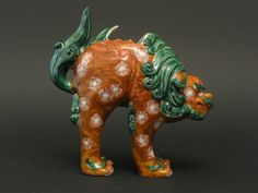 Antique Arita Kara Shishi Lion Foo Dog Statue Vase
