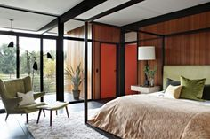 Partial Mid-Century bedroom with lots of windows, wooden panelling