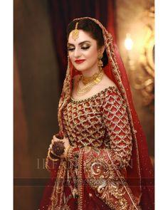 Sana Afzal captured beautifully by my team Beautiful Pakistani Dresses, Pakistani Formal Dresses, Pakistani Wedding Outfits, Indian Bridal Outfits, Pakistani Wedding Dresses, Pakistani Dress Design, Wedding Lenghas, Bridal Mehndi Dresses, Asian Bridal Dresses