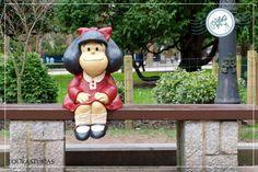 Estatua de Mafalda, Homenaje a Quino la niña homónima, «espejo de la clase media latinoamericana y de la juventud progresista»