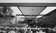 Style in steel by Architect Donald Wexler, 1968 Photos by Julius Shulman