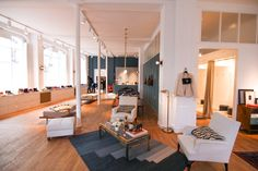 Appartement Sezane magasin experiential Emprunt mobile -
