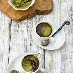 Matcha Chocolate Rice Pudding - jade rice cooked in creamy coconut milk, infused with green tea powder, and topped with dark chocolate crust - delicious and elegant dessert. Chocolate Spoons, Melting Chocolate, Vegan Chocolate, White Chocolate, Clean Recipes, Real Food Recipes, Dessert Recipes, Protein, Elegant Desserts