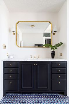 How to Decorate a Small Bathroom — Vanity