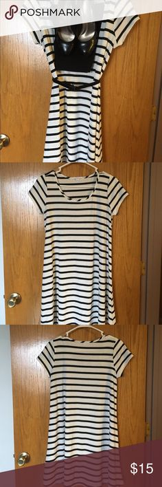 Socialite black and cream striped dress. Size small, Socialite black and cream striped dress. Works great with leggings. Only worn once, bought at Von Maur. Accessories not included. Dresses Midi
