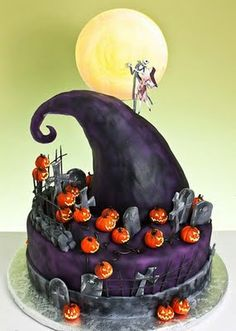 Nightmare Before Christmas cake!  For Casey ( I would like this cake next year for my b-day) : ) lol