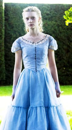 Mia Wasikowska in Alice in Wonderland, 2010. Costume design by Colleen Atwood.