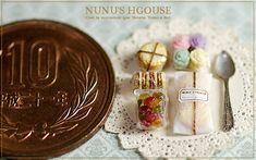 *三色のネコとラッピング* - *Nunu's HouseのミニチュアBlog*           1/12サイズのミニチュアの食べ物、雑貨などの制作blogです。
