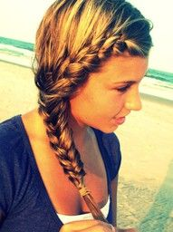 front side braid with what looks like wet hair! Gym Hairstyles, Pretty Hairstyles, Braided Hairstyles, Bohemian Hairstyles, Beach Hairstyles For Long Hair, French Hairstyles, Hairstyles Pictures, Simple Hairstyles, Style Hairstyle