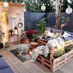 this outdoor living room with it's custom pallet furniture and boho styling … - Backyard Decoration Outdoor Living Rooms, Outdoor Spaces, Pallet Furniture, Outdoor Furniture Sets, Rustic Furniture, Modern Furniture, Furniture Ideas, Bohemian Furniture, Outdoor Lounge
